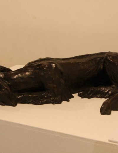 Bronze statue of dog